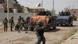 Các lực lượng an ninh Iraq tấn công nhóm Nhà nước Hồi giáo để chiếm lại Tikrit, thành phố nằm cách thủ đô Baghdad 130 km về hướng bắc, 30/3/15
