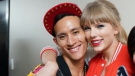 Anthony Ginandjar (kiri), koreografer kelas dunia keturunan Indonesia bersama penyanyi AS, Taylor Swift. (Foto courtesy: The Squared Division).