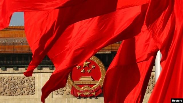 60% những người được hỏi tại Việt Nam cho biết họ 'hết sức lo ngại' về tranh chấp chủ quyền với Trung Quốc trong khi 56% số người được khảo sát ở Philippines cũng cho đáp án tương tự.