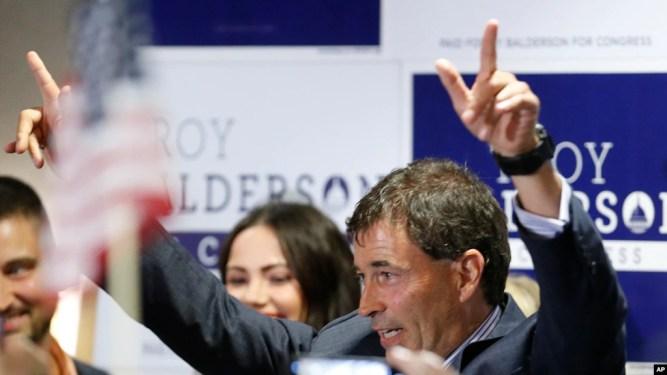 Troy Balderson, ứng cử viên DCH tại địa hạt bầu cử 12 bang Ohio, tại sự kiện hậu bầu cử đêm 7/8/2018 ở Newark/Ohio. AP Photo/Jay LaPrete)