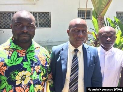 Dr Eric Ndayishimye, Patrick Mataboro et Basile trois réfugies rwandais à Brazzaville, le 27 avril 2017. (VOA/Ngouela Ngoussou)