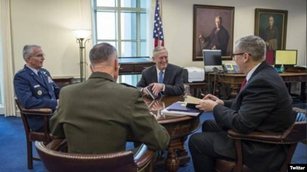 Mattis está de gira desde el jueves por Corea del Sur y Japón, con el fin de tranquilizar a los dos aliados de Washington en la región acerca de la solidez de las alianzas militares que mantienen con Estados Unidos.