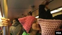 Las mujeres arribaron a la reunión en el metro de Washington. (Foto Angélica Herrera)