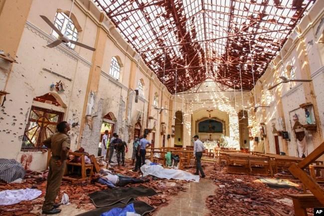 Todos los suicidas eran ciudadanos de Sri Lanka, aunque las autoridades sospechan que tenían conexiones con el extranjero.
