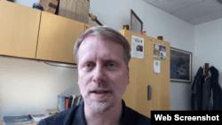 加里·戴克接受美国之音Skype采访截图