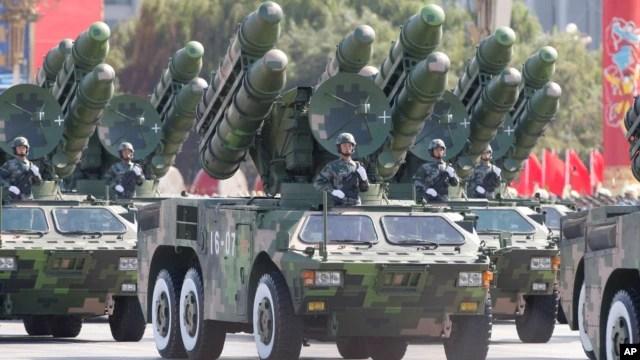 Tên lửa của Trung Quốc trong cuộc diễu hành quân sự ở Quảng trường Thiên An Môn.