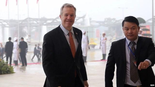 Đại sứ Mỹ tại Việt Nam Ted Osius đến dự lễ khai mạc Đại hội đảng 12 tại Hà Nội, Việt Nam, ngày 21 tháng 1, 2016.