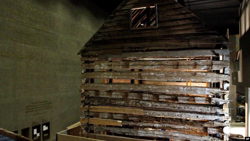 Une cabine d'esclave de Poolesville, Maryland dans le Musée de Smithsonian à Washington DC, 18 juillet 2016.