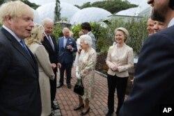 جی سیون کے سربراہان ملکہ برطانیہ کے استقبالیے میں شریک ہیں، 11 جون 2021