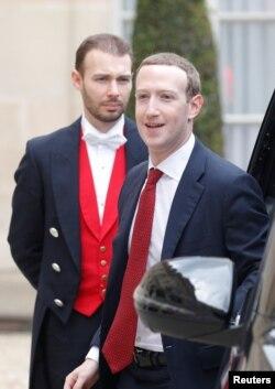 CEO Facebook Mark Zuckerberg tiba di Elysee Palace, Paris, Perancis, 10 Mei 2019.