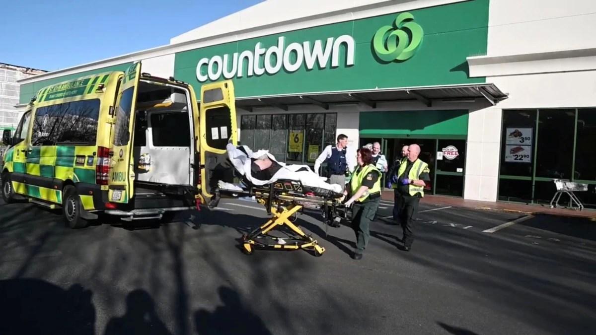 Penikaman di Supermarket Selandia Baru, 3 Kritis