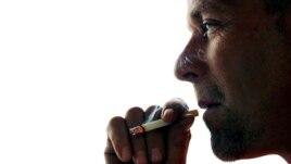 Một công trình phân tích dữ liệu cho thấy những người hút thuốc, có khả năng tử vong cao gấp hai lần vì một số chứng bệnh thường không được cho là liên quan đến thuốc lá so với những người chưa bao giờ hút thuốc,