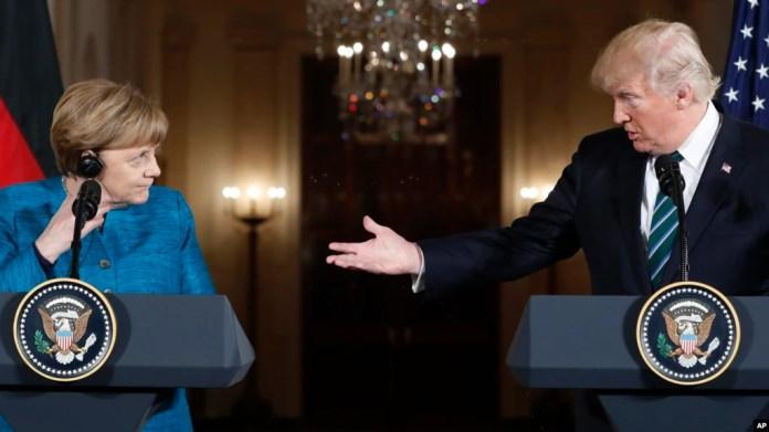 El presidente Donald Trump y la Canciller alemana Angela Merkel durante la conferencia de prensa que ofrecieron en la Casa Blanca. Marzo 17, 2017.