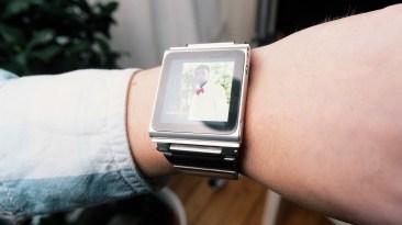 Retro SmartWatch: iPod Nano 9
