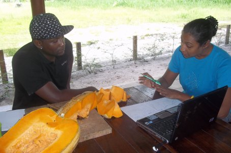 Jenny conducts One-on-one nutritional coaching session with head chef of employee catering services, Green Heart Group, Tibiti, West Suriname