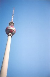 The tower in 2006 festooned in the corporate pink of Deutsche Telekomm on the occasion of the World Cup (photo: author).