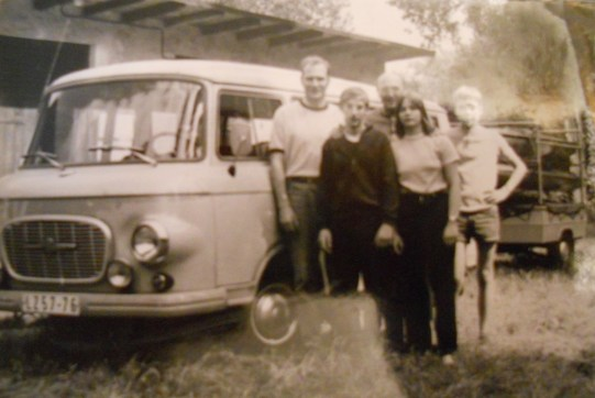 A photo of the Fortschritt Erfurt canoe slalom team in front of the factory-provided Barkas. Kordula's father is in the middle of the back row while Kordula is seen second from left (photo: Striepecke family archive)