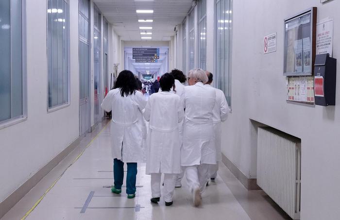Medici, arriva il nuovo contratto: confermato l'aumento di 200 ...