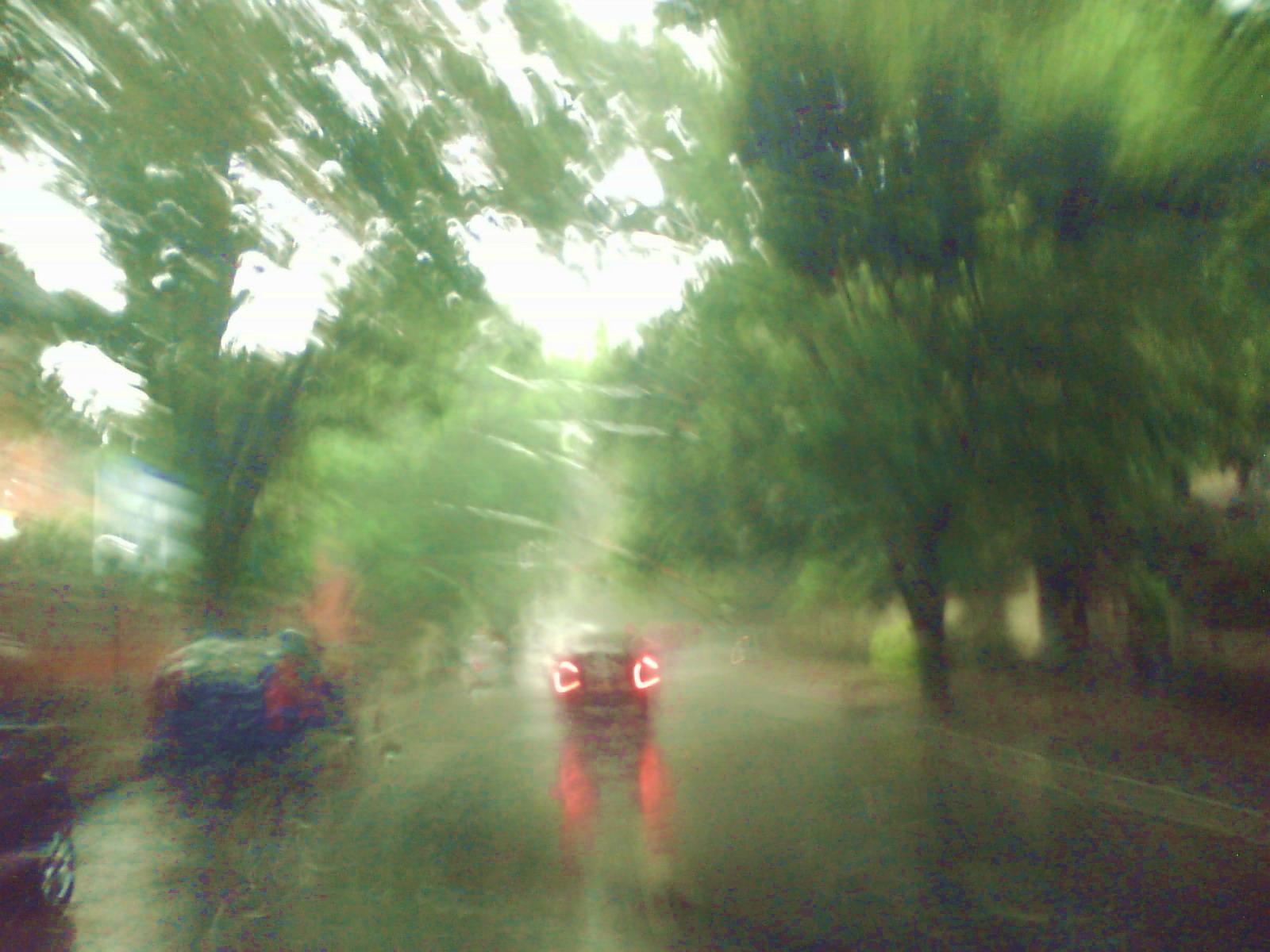 its raining.. love it