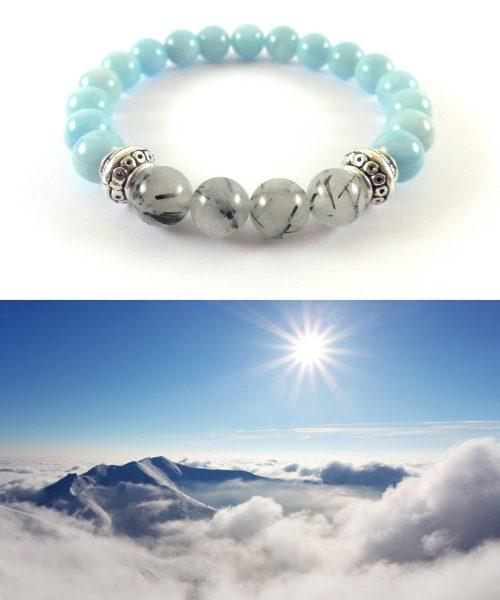 Nuvole in alta montagna