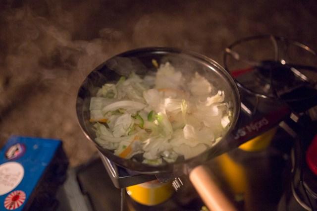 夕ご飯 回鍋肉調理中
