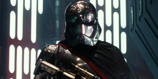 Everything Wrong with Star Wars The Last Jedi Captain Phasma
