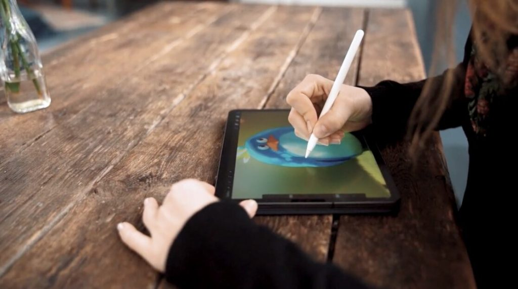 Apple iPad Pro paperlike screen protector using Apple Pencil to draw and write