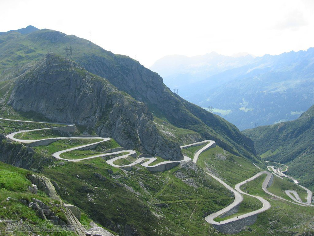 The Ten Highest Elevation Roads in the World 3