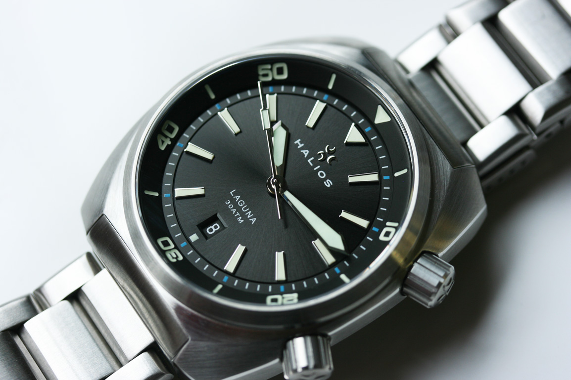 Budget Time: The Best Watches Under $1,000 15