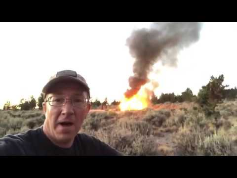 This Poor Guy Filmed His Jeep Rubicon Bursting Into Flames in the Desert 27