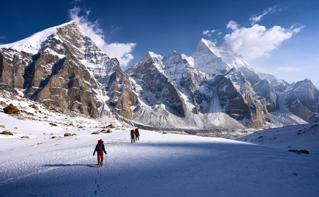 Documentary on the Harrowing First Ascent of Janhukot 13