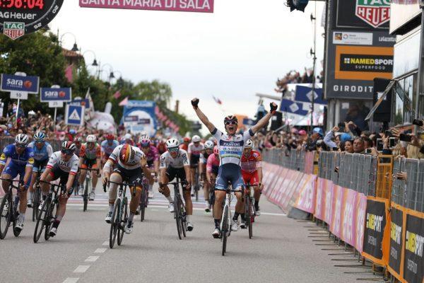 2019 Giro d'Italia Stage 18 Recap: Breakaway barely survives 9