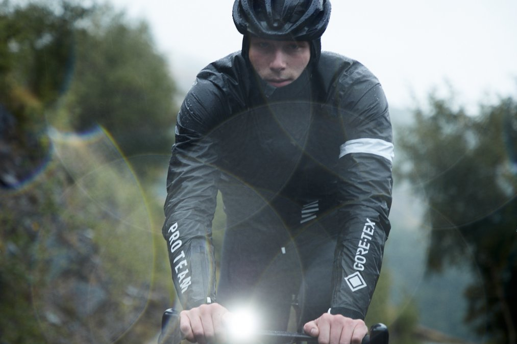 Rapha Collaborates with Gore-Tex for New Jacket Range 3