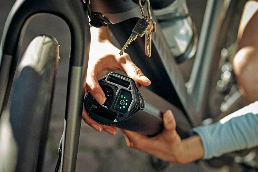 Canyon Endurace:ON AL the Brand's First E-Road Bike 1