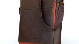 The Waterfield Muzetto Vertical Laptop Bag Review