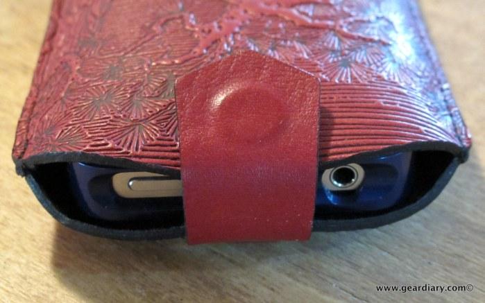 geardiary-oberon-design-iphone-sleeve-5