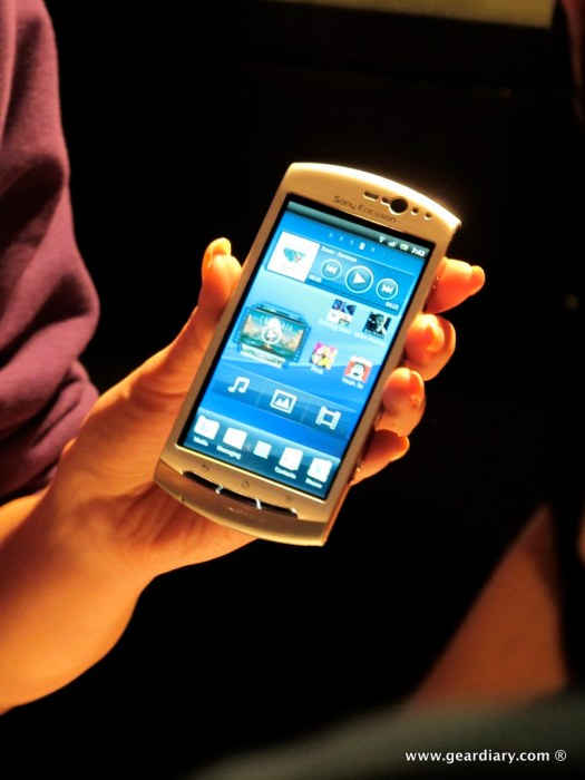 geardiary-chipchick-sony-ericsson-mobile-word-congree-pro-neo-play-67