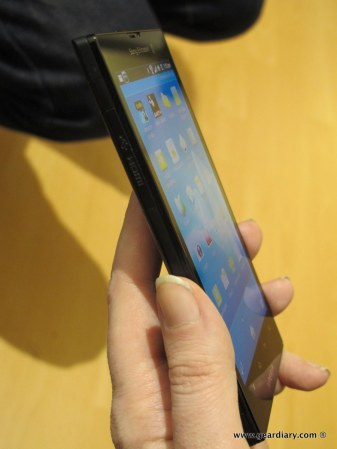 geardiary-sony-xperia-ion-and-xperia-p-mobile-phones-2
