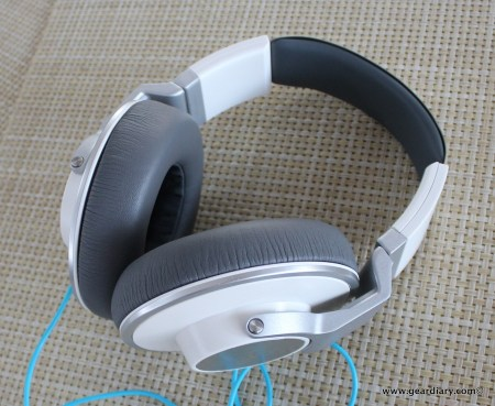 AKG K551 Over-the-Ear Headphone Review