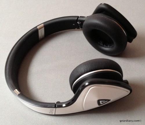White Tuxedo Monster DNA Headphones- Gear Diary Review-015