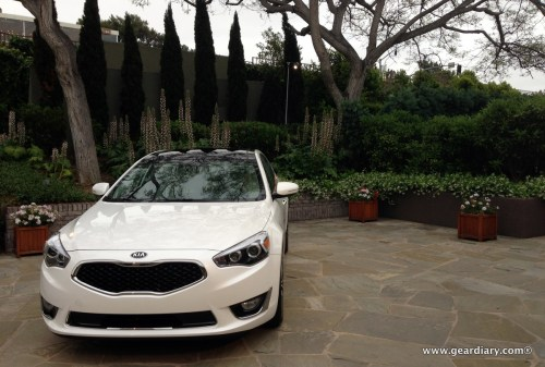 2014 Kia Cadenza Stylishly Conquers the Pacific Coast  2014 Kia Cadenza Stylishly Conquers the Pacific Coast