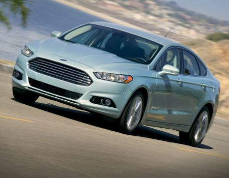 2013 Ford Fusion Hybrid Offers Best of All Worlds  2013 Ford Fusion Hybrid Offers Best of All Worlds