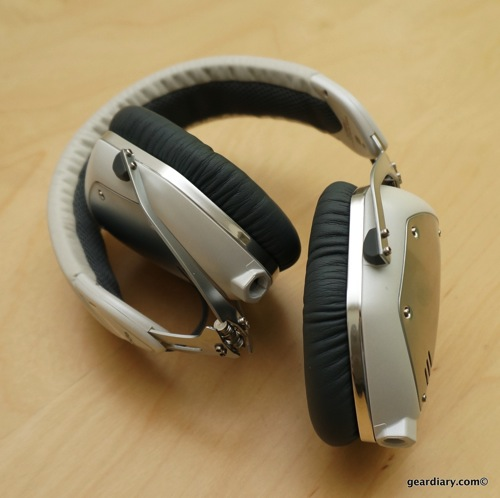 v moda crossfade m 100 headphone review dress up your tunes gear diary. Black Bedroom Furniture Sets. Home Design Ideas