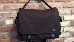 Lowepro Urban Reporter 250 Camera Messenger - For the Street-Smart Photographer