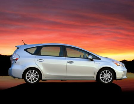 GearDiary 2013 Toyota Prius v for the Growing Green Family