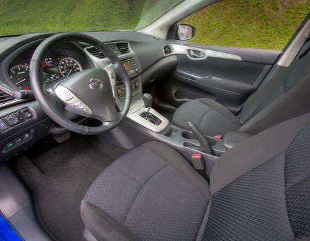 2013 Nissan Sentra SL interior
