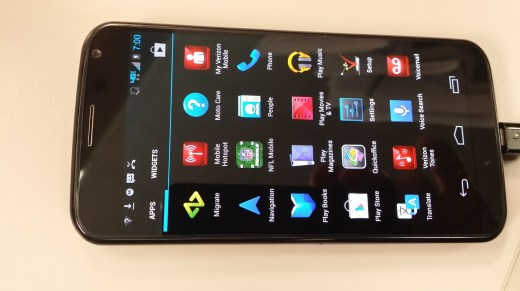 Droid Moto X by Motorola Phone Review - Light and Lasting