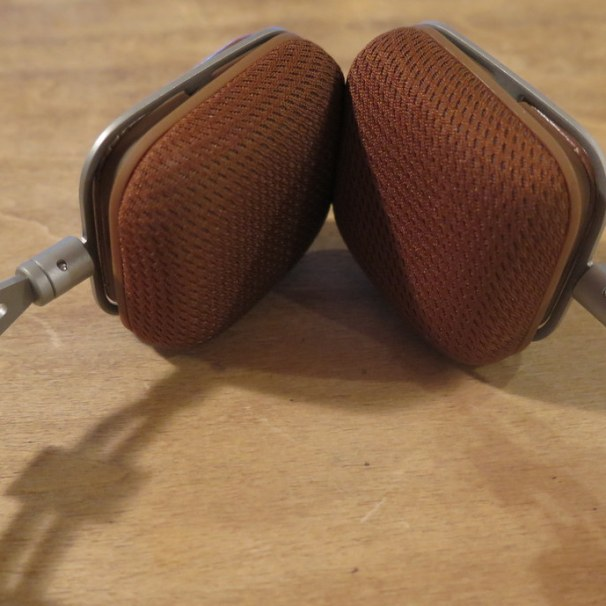 geardiary-harman-kardon-soho-on-ear-earphones-021