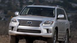 2014 Lexus LX 570 Delivers Capability Comfortably
