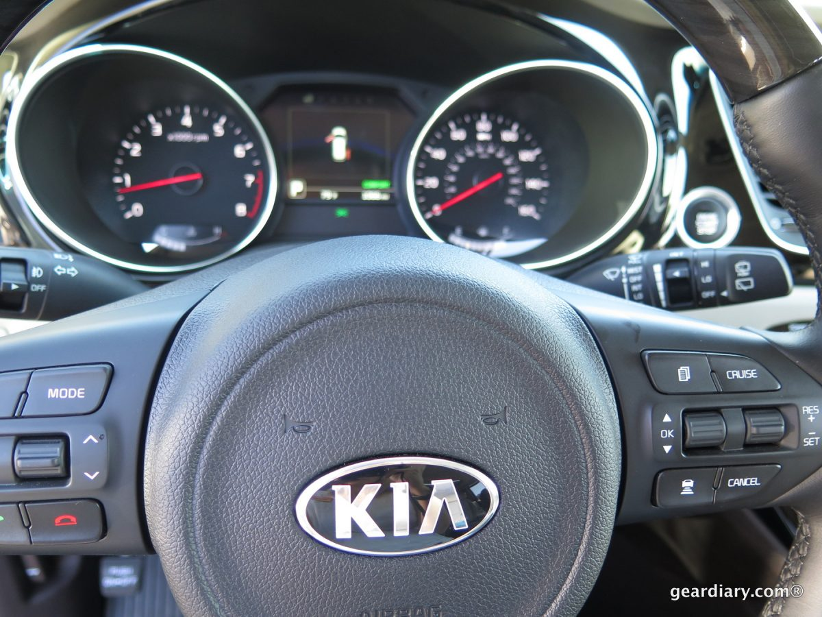 GearDiary 2015 Kia Sedona: A Multipurpose Vehicle for People Who Hate Minivans